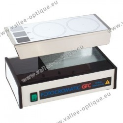 Photochromic lens testing machine